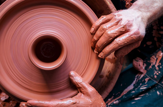 Nafplion Ceramic Pottery Workshop Tour: Clay wheel ceramics