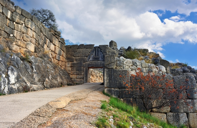 the stone gate of the lions in Mycenae