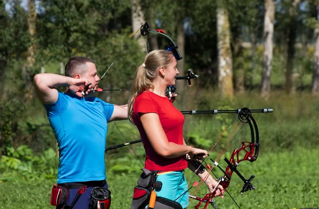 people take archery lessons in Polylimnio