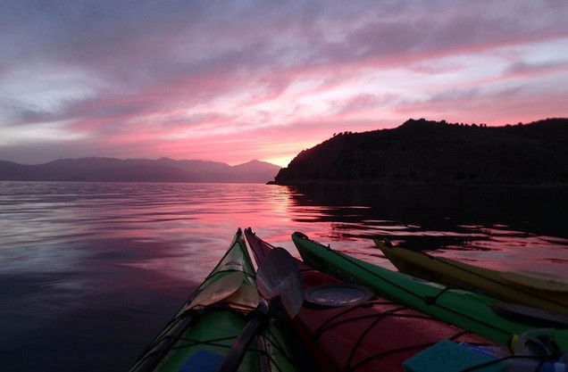 Medieval Castles Nafplio Kayak Tour: the view of the sea at sunset through the kayak canoes