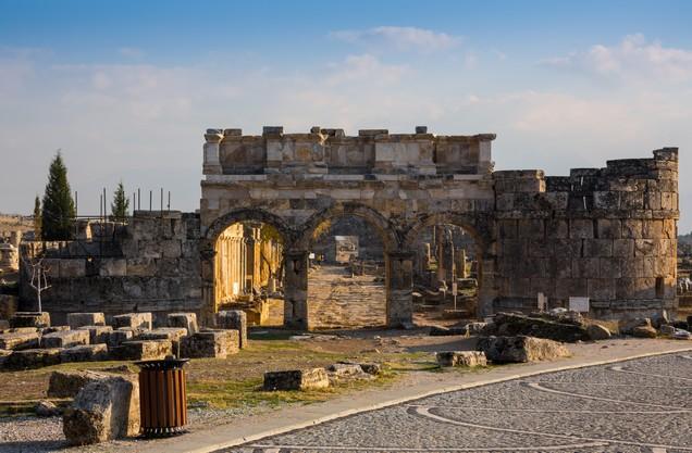 ο Ναός ο Απόλλωνα στην Κόρινθο