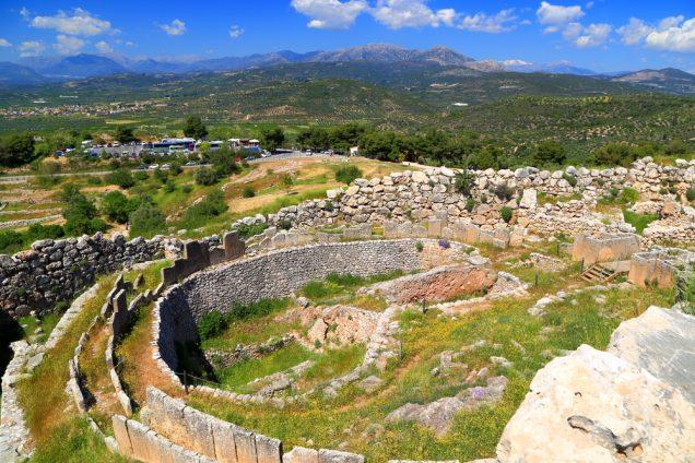 τα τείχη των Μυκηνών από ψηλά