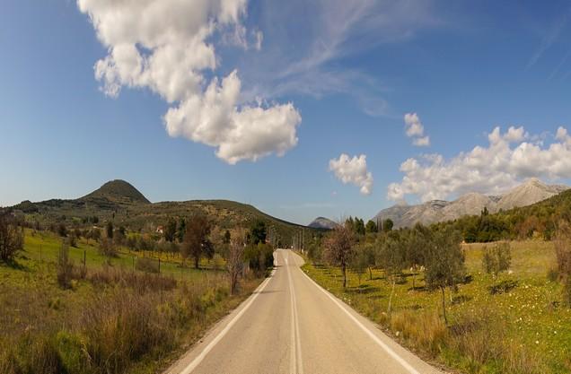 επαρχιακός δρόμος στο Ναύπλιο