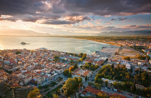 Κανάλι - Επίδαυρος - City Tour Ναύπλιο - Μυκήνες από Αθήνα: το Ναύπλιο από ψηλά το ηλιοβασίλεμα