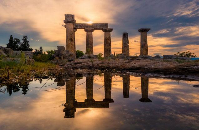 Αρχ.Κόρινθος/Κανάλι-Μυκήνες-Ναύπλιο/Παλαμήδι από Αθήνα: Άποψη ναού στην αρχαία Κόρινθο κατά το ηλιοβασίλεμα