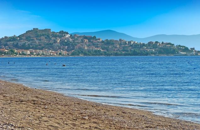 η παραλία του Άστρους στη Ποδηλασία Ναύπλιο προς Άστρος