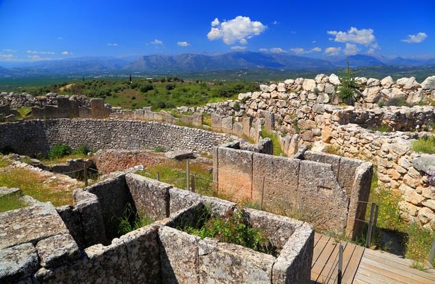 θέα των αρχαίων ερειπίων στις Μυκήνες
