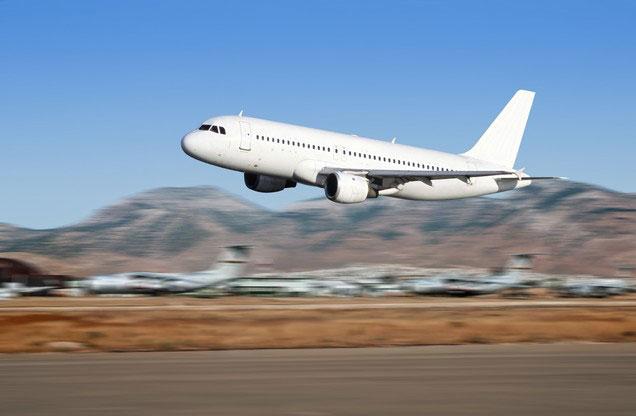 Αεροδρόμιο Αθήνας Ελ.Βενιζέλος από ή προς Γύθειο: αεροπλάνο την ώρα της απογείωσης